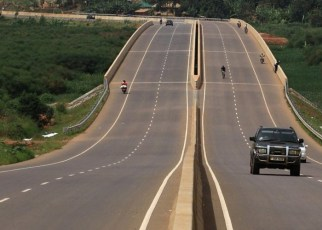 Over three million people in Tanzania and Kenya will benefit from a €345 million financing package for road construction support, approved by the African Development Bank's board in Abidjan.