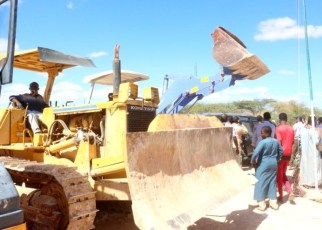 Somaliland has started an ambitious campaign to build its road infrastructure with the ground breaking for the construction of a new road linking the towns of Wadaama-goo and Buhodle.