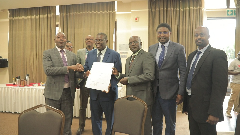 Alex Kakooza, the Permanent Secretary (PS) to the Ministry of Education and Sports (MoES) has launched an association bringing together all individuals, academic training institutions and the training service providers in the Oil and Gas sector from the Government and private sectors.