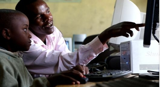 Women in Uganda use the internet far less than men according to a new survey from the World Wide Web Foundation which found that 27% of men in the country are online, compared with just 19% of women.