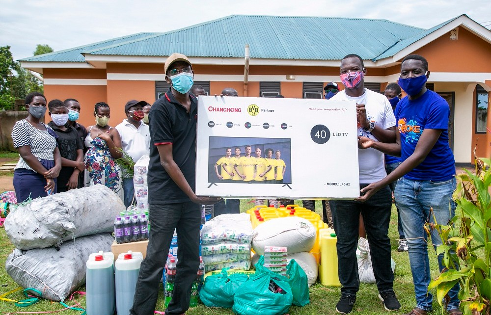 Roke Telkom, a Ugandan telecommunications company, has kicked off its annual corporate social responsibility initiative named Roke Gives Back, with a charity visit to Generations In Action Children's Home in Gulu.