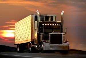 تخضع الشاحنات لقيود سرعة أكثر صرامة خارج المدينة.