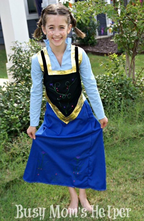 Disney Frozen's Anna Dress in 2 Hours or Less / by Busy Mom's Helper #sewing #Frozen #Costume #AnnaDress