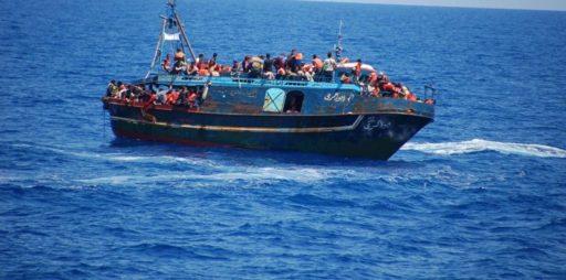 1467355351-0-ragusa-sbarco-migranti-a-pozzallo-fermo-per-2-minorenni