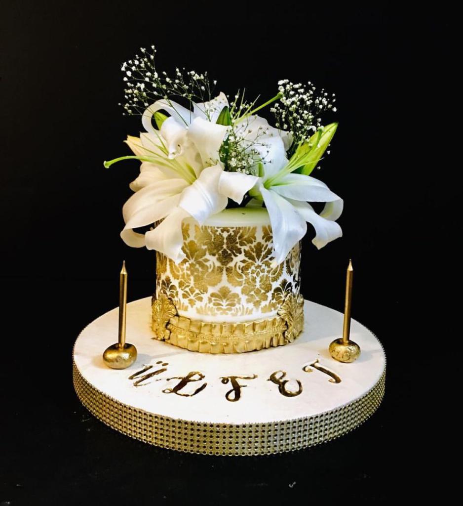 çiçekli gold pasta