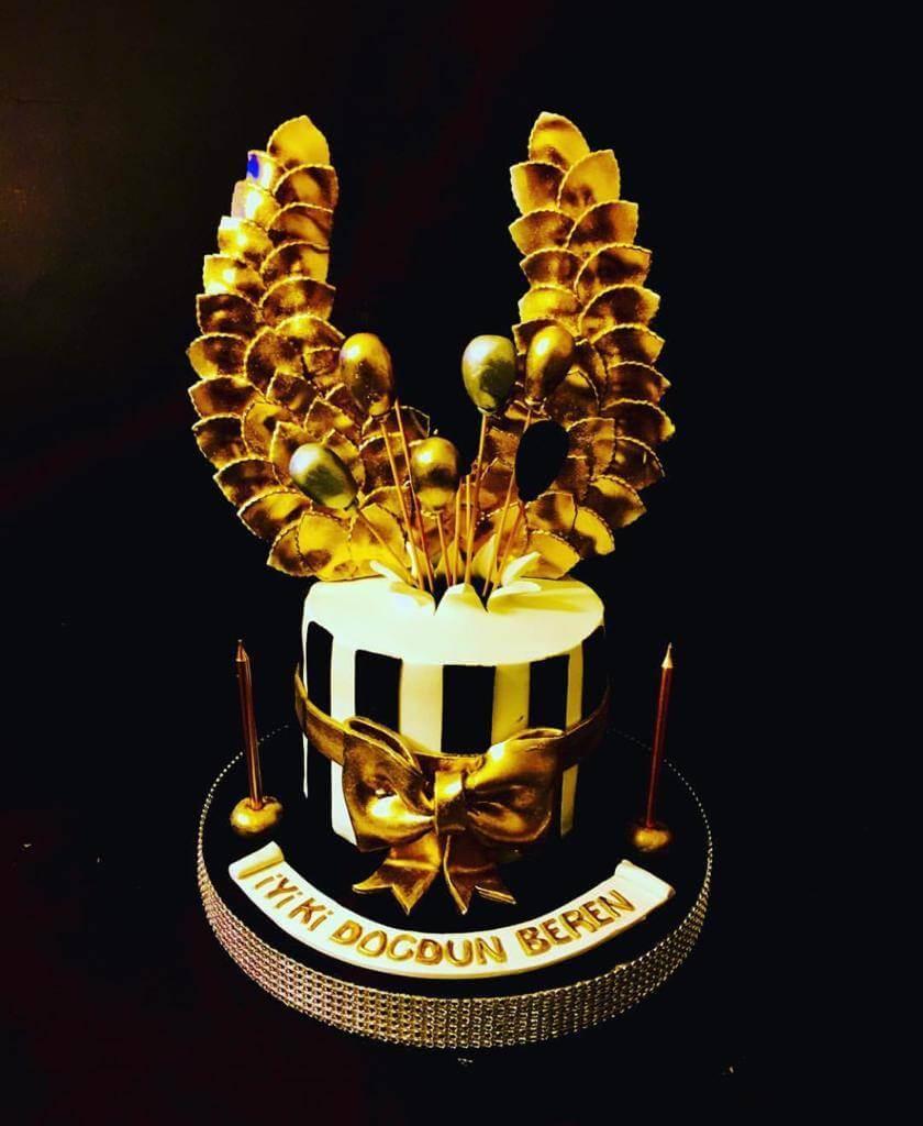 altın kanatlı pasta
