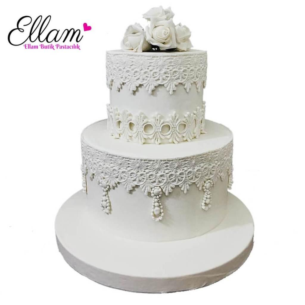 beyaz dantel detaylı butik pasta