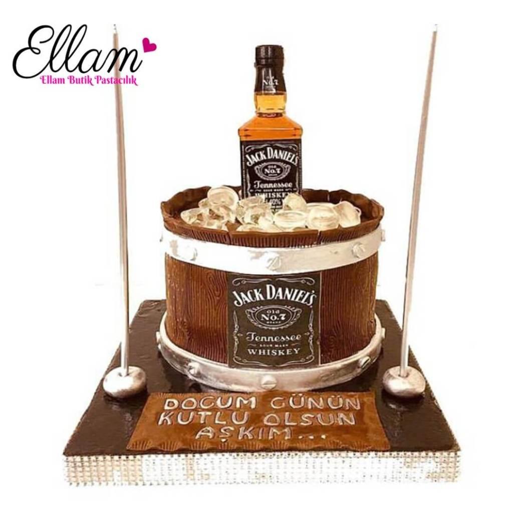 viski temalı butik pasta