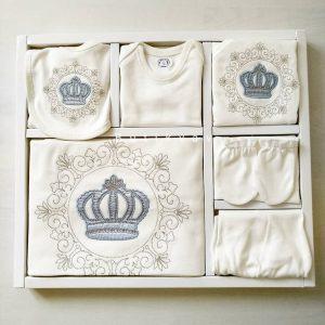 Erkek Bebek Prens Taç Süslemeli 10lu Hastane Çıkışı 03 scaled - Erkek Bebek Prens Taç Süslemeli 10'lu Hastane Çıkışı