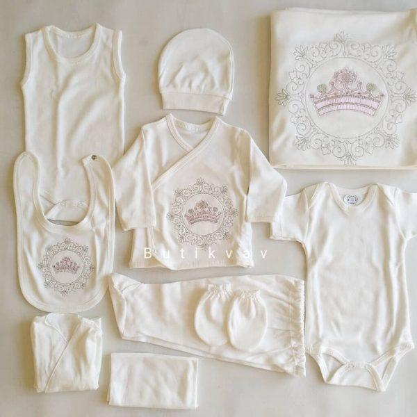 kiz bebek prenses tac suslemeli 10 lu hastane cikisi 02 scaled - Kız Bebek Prenses Taç Süslemeli 10'lu Hastane Çıkışı