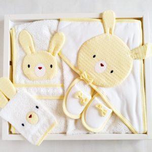 bebitof erkek bebek bulut baskili bornoz havlu seti 01 scaled - Gaye Bebe Unisex Tavşan Kafa Bornoz Sarı
