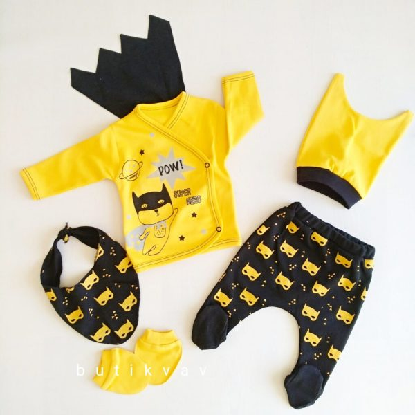 erkek bebek pelerinli super hero 5 li hastane cikisi 01 scaled - Erkek Bebek Pelerinli Super Hero 5'li Hastane Çıkışı