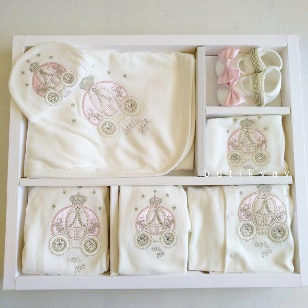 erkek bebek tas suslemeli tulumlu lux 10 lu hastane cikisi kopya 02 scaled - Kız Bebek Taş Süslemeli Tulumlu Lux 10'lu Hastane Çıkışı