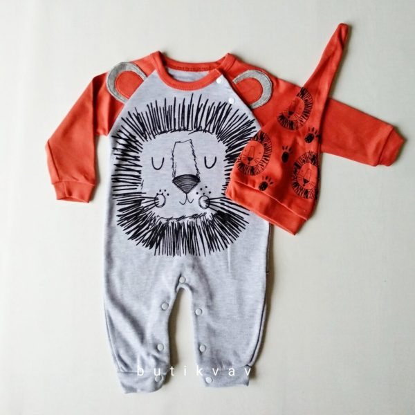 erkek bebek uykucu aslan tulum sapka seti 6 9 ay kopya 01 scaled - Erkek Bebek Uykucu Aslan Tulum & Şapka Seti  6-9 Ay