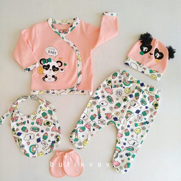 kiz bebek desenli 5 li hastane cikisi zibin seti 01 scaled - Kız Bebek Desenli 5'li Hastane Çıkışı Zıbın Seti
