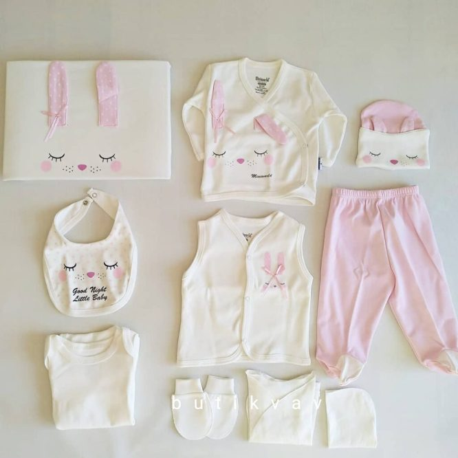 miniworld kiz bebek uyuyan tavsan 10 lu hastane cikisi pudra kopya 01 scaled - Miniworld Kız Bebek Uyuyan Tavşan 10'lu Hastane Çıkışı - Pembe