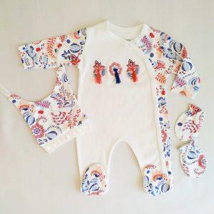 erkek bebek denizci 3 lu tulum seti 3 6 ay kopya 01 scaled - Kız Bebek Püsküllü 3'lü Tulum Seti 0-3 Ay