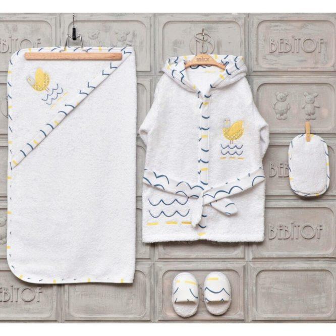 erkek bebek penye battaniye lacivert 01 scaled - Bebitof Minik Kuş Bebek Bornoz Seti