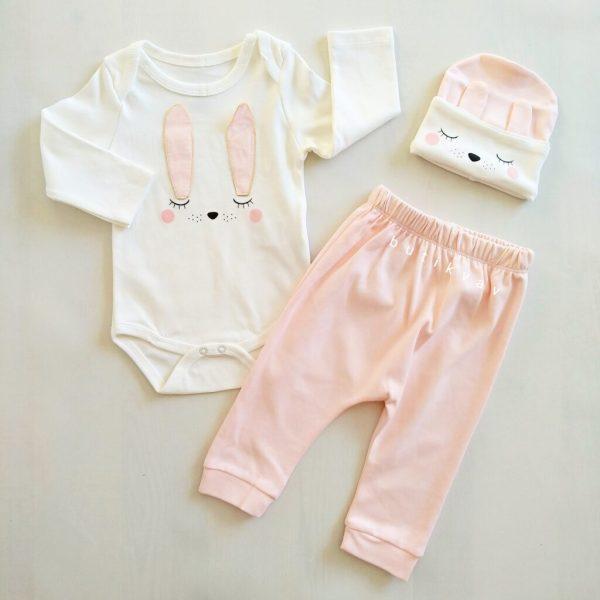 miniworld kiz bebek tavsan kulak 3 lu takim 3 6 ay 01 scaled - Miniworld Kız Bebek Uyuyan Tavşan 3'lü Takım 3-6 Ay