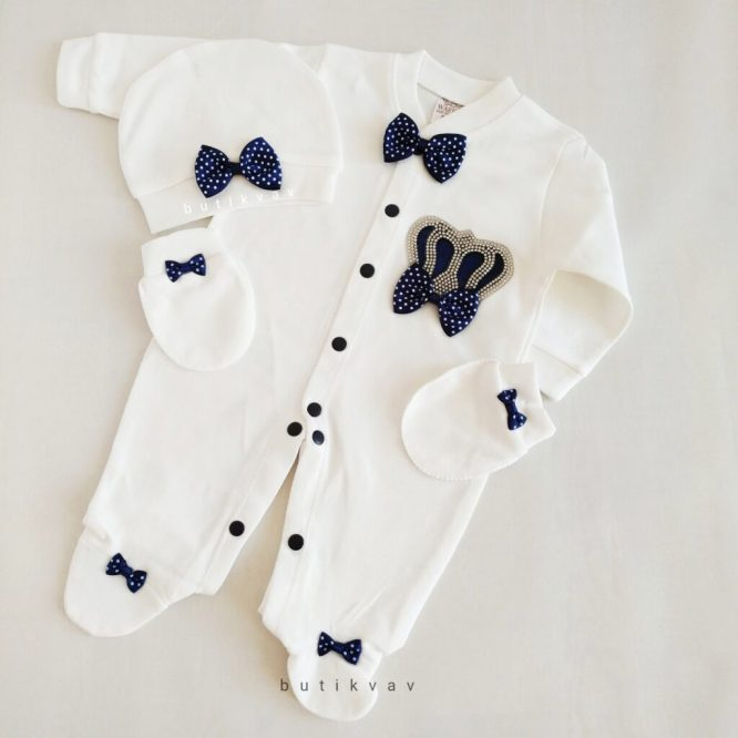 yenidogan erkek bebek pelus panduf bej 01 scaled - Erkek Bebek Prens Tacı Tulum Seti 0-1 Ay