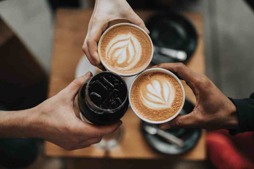 3 cups of latte with latte art