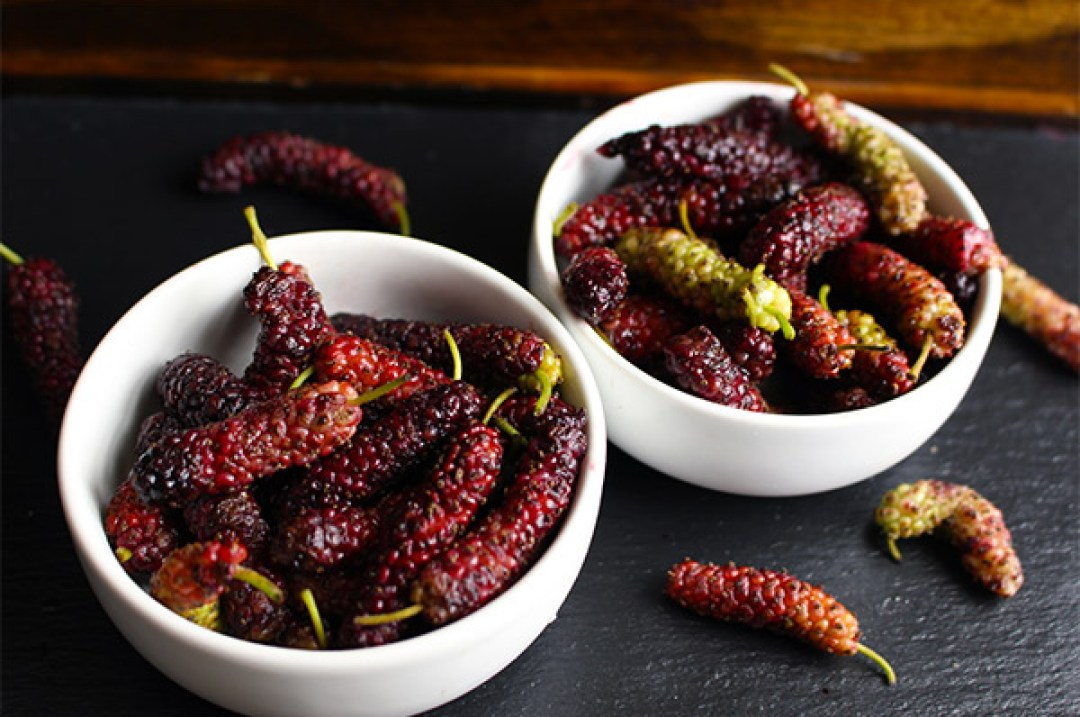 Mulberries - Hello Mulberries! These little beauties are sweet and delicious. | butterandthings.com