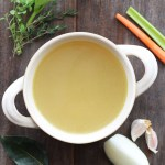 homemade-chicken-broth | www.butterandthings.com