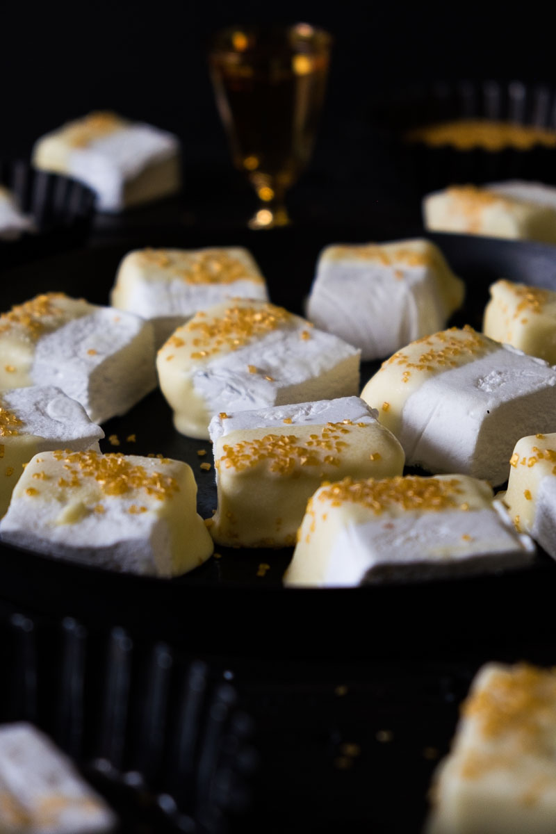 These Fancy sweet Champagne White Chocolate Marshmallows will be perfect for any special occasion: holidays, Valentines' Day, Wedding, Birthdays or just to make life a little bit fancier one bite at a time.