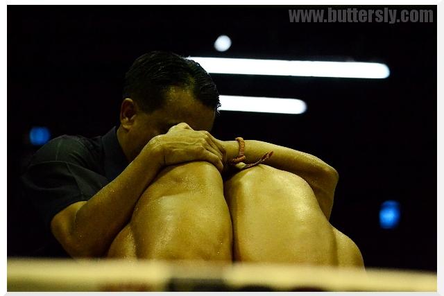 muay thai strange clinch
