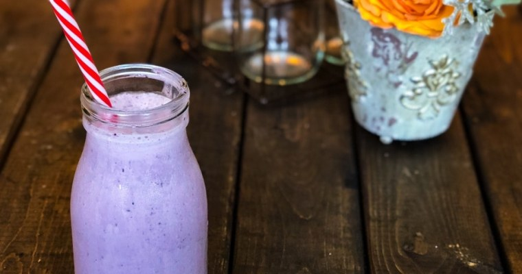 Keto Blueberry Cheesecake Smoothie