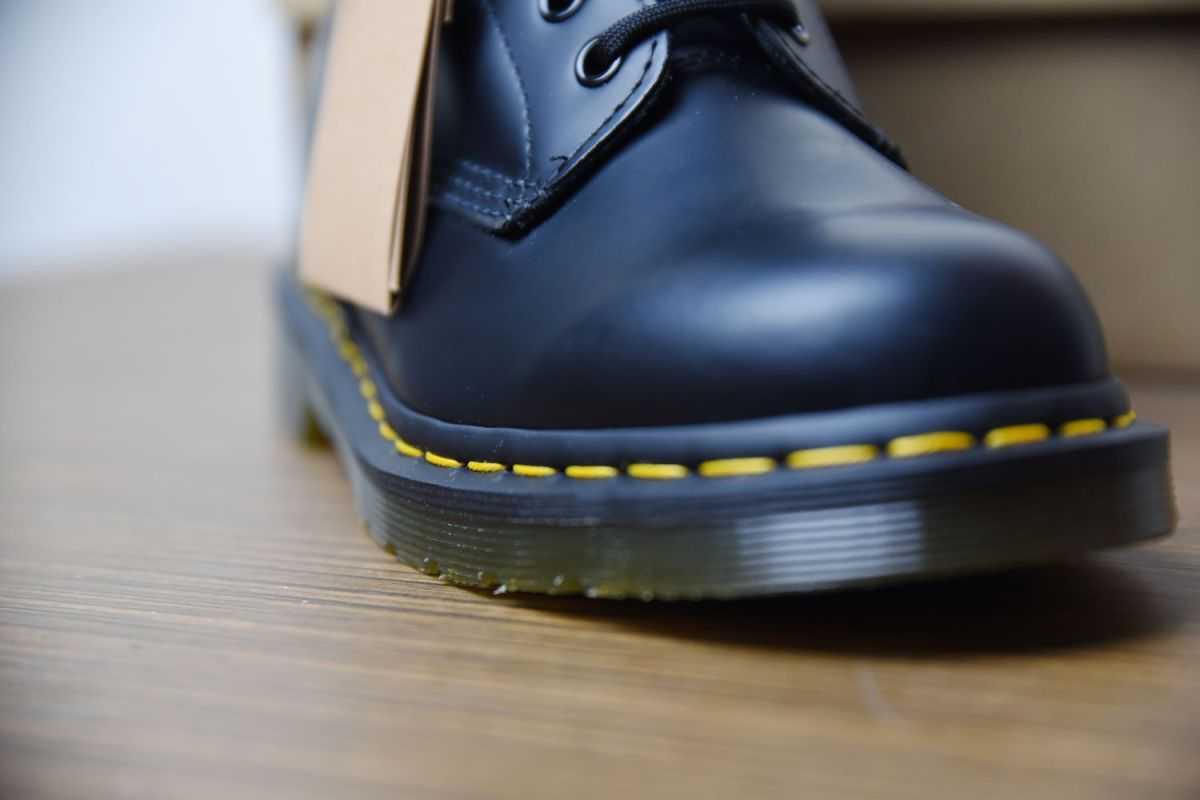 original dr martens boots yellow stitching