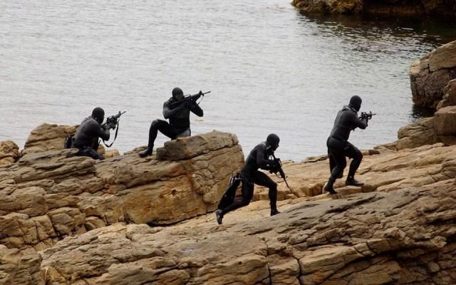 SEAL - Treinamento técnico com roupa de mergulho.