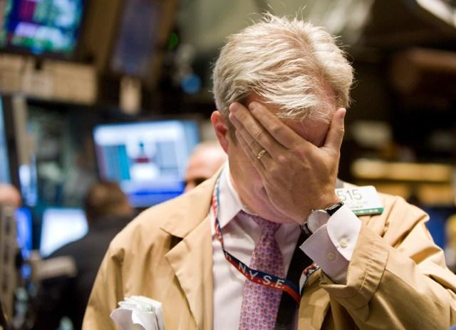 Trader Abatido pela Crise na Bolsa de Nova York