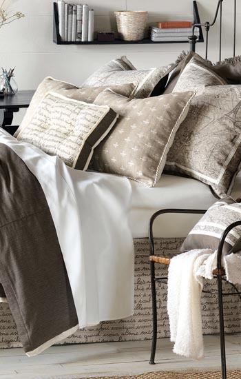 Eastern Accents Daphne Bedding Collection