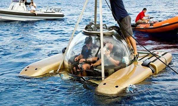 Demo Dives on Submarine