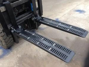 Type WF2A1100 forklift wheel forks for sale
