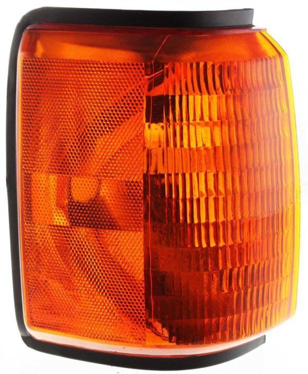Coachmen Royal Right (Passenger) Corner Turn Signal Lamp Unit