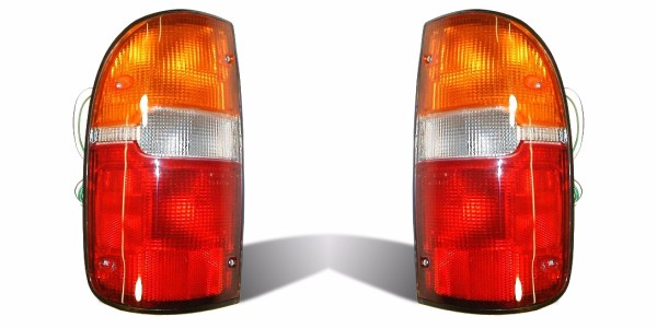 Fleetwood Terra Tail Light Rear Lamp Assembly Pair (Left & Right)