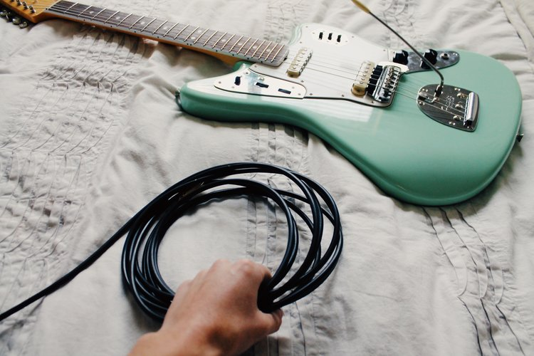 10 best guitar cables of 2019 guide review buythebest10. Black Bedroom Furniture Sets. Home Design Ideas