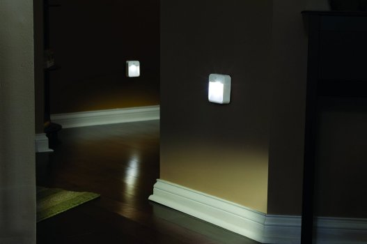 mr-beams-mb723-battery-powered-motion-sensing-led-stick-anywhere-nightlight