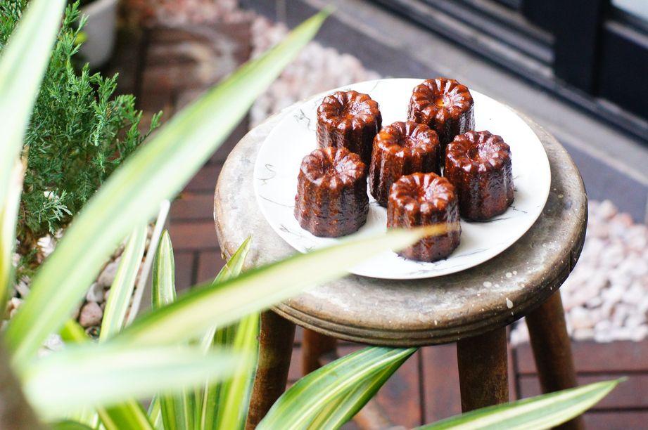 巴斯的書中黃金屋 機車環島全攻略 高雄美食推薦 替人著想小餐館 甜點可麗露