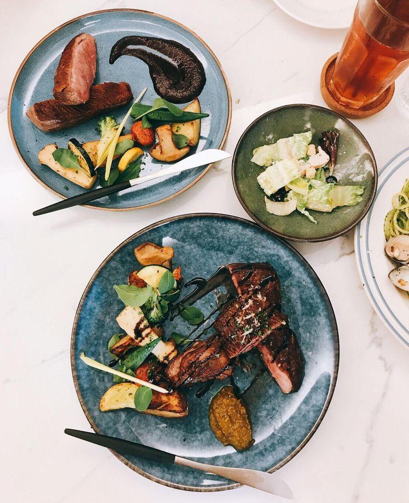 巴斯的書中黃金屋 機車環島全攻略 高雄美食推薦 替人著想小餐館
