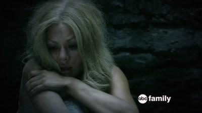 mona-janel-parrish-pretty-little-liars-season-6-trailer
