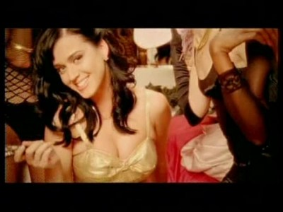 I-Kissed-A-Girl-katy-perry-2792010-640-480