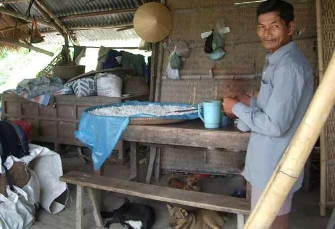 Vietnamese Man Hasn't Slept In Over 40 Years!