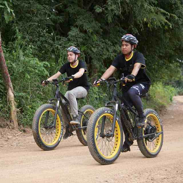 playing with E-bikes | Buzzy Bee Bike, Chiang Mai, Thailand