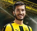 cartão de autógrafo de Nuri Sahin, o meia do Borussia Dortmund para a temporada 2016/2017