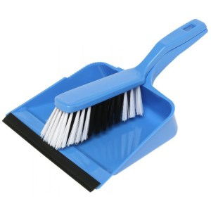 19124-dust-pan-brush-set-blue_785B-e1480988646340