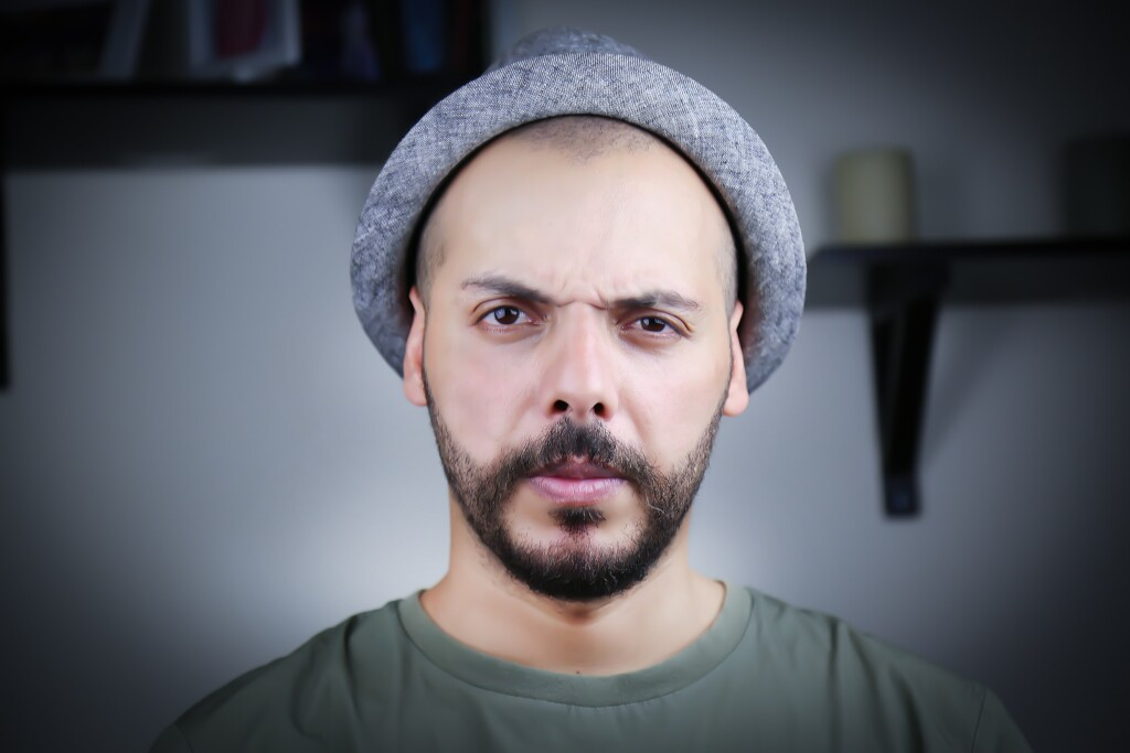 angry-beard-blur-close-up-542282
