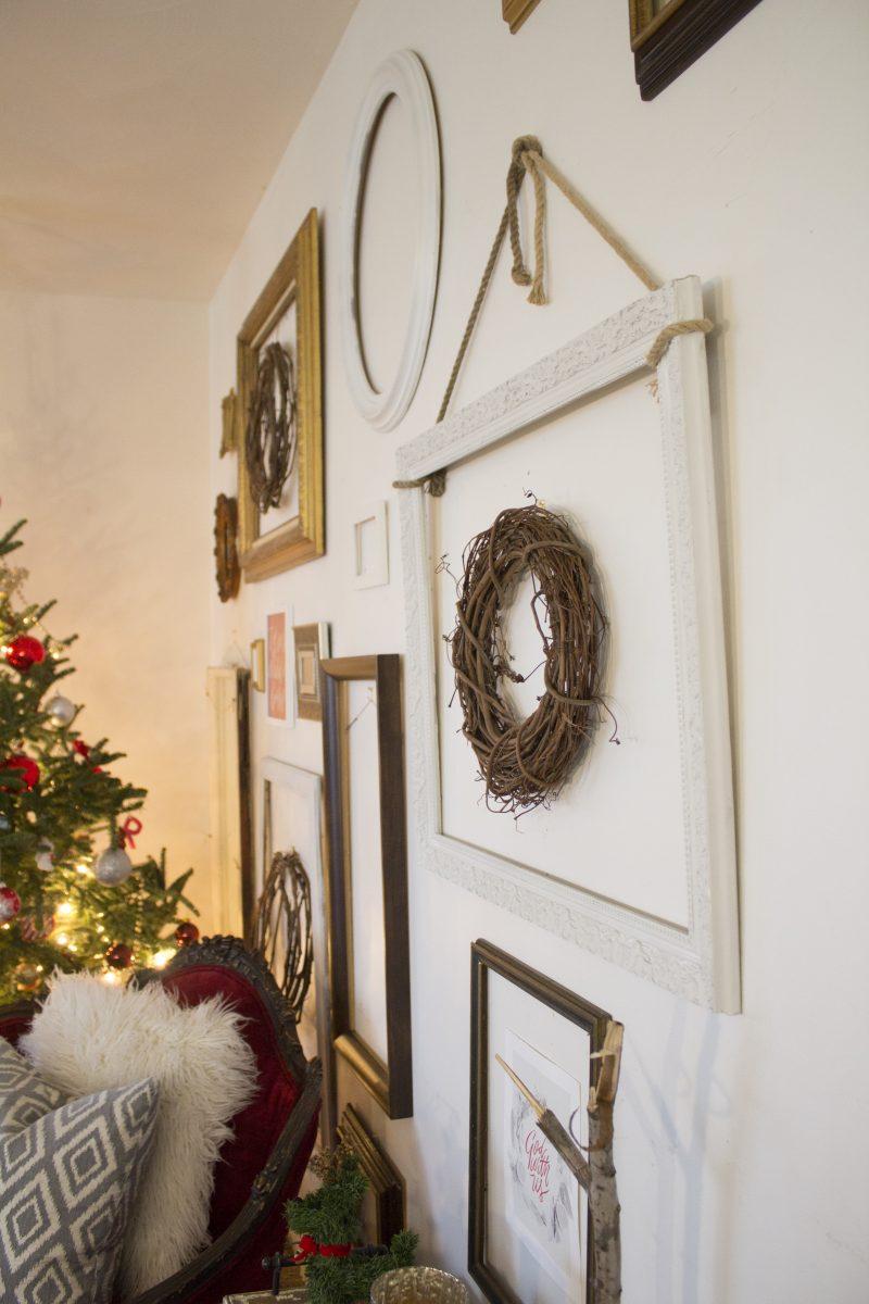 christmas-wall-of-frames